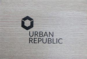 Logo štampanje na drvetu od strane WER-D4880UV